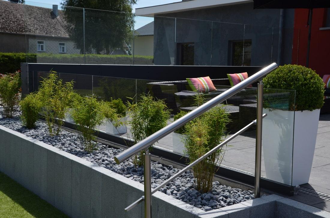 les avantages du garde corps en aluminium le comptoir web. Black Bedroom Furniture Sets. Home Design Ideas