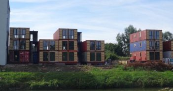 15 appartements construits à l'aide de containers fleuriront bientôt à Pont-à-Celles