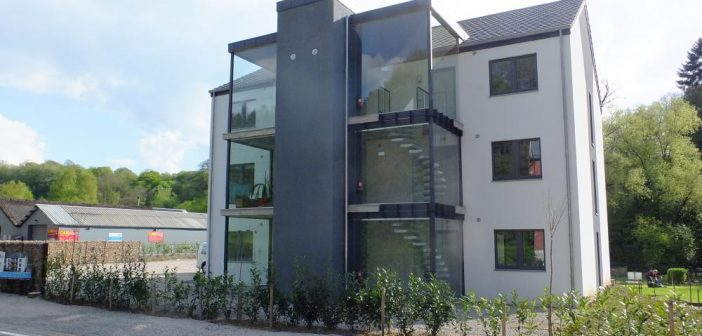 Construire sa maison cologique en blocs coffrants isolants for Aide construction maison