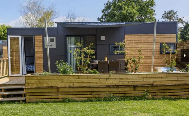qu est ce que le grand luxe pour des vacances en camping le comptoir web. Black Bedroom Furniture Sets. Home Design Ideas