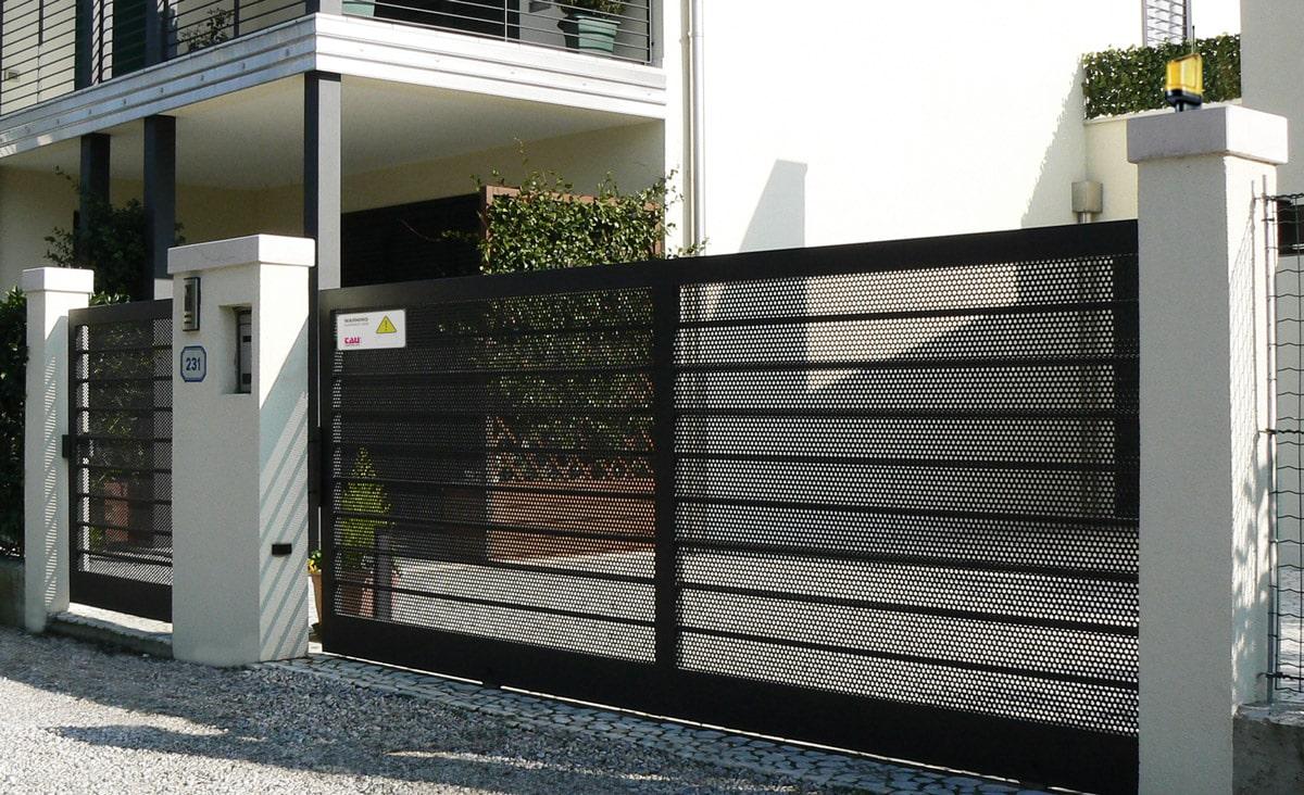comment choisir l automatisme de votre portail. Black Bedroom Furniture Sets. Home Design Ideas