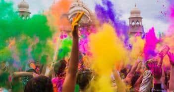 La célébration de la Holi