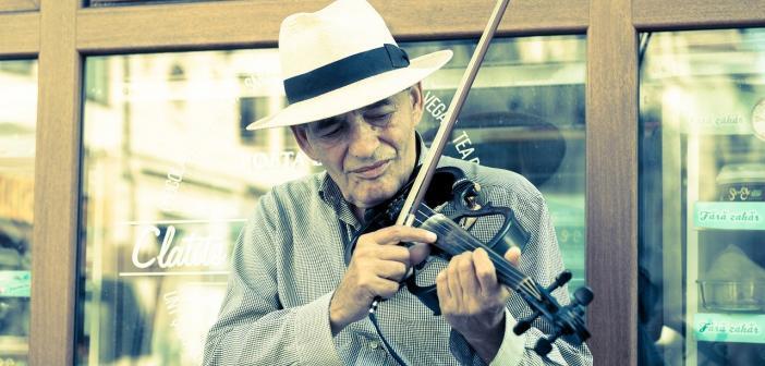 joueur de violon électrique