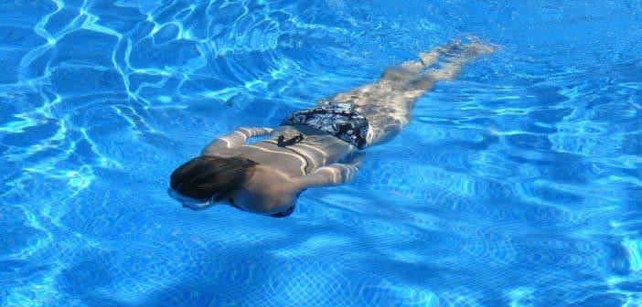 Un abri de piscine motorisé rend l'usage tellement plus simple