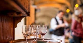 restaurant bar et cave à vin