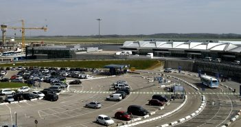 Parking privé d'aéroport